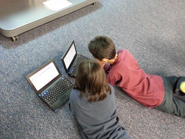 Genitori e nuove tecnologie: quale atteggiamento con i vostri figli?