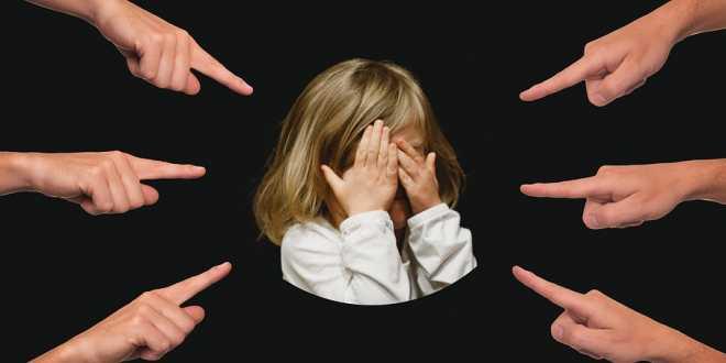 Bambini prepotenti o che subiscono: che fare?